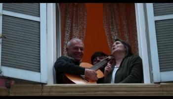 مواجهة كورونا بالغناء