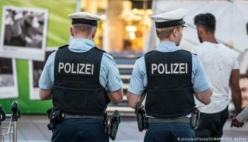 ألمانيا.. مداهمة خلية نازية يشتبه بتخطيطها لهجوم على مسجد