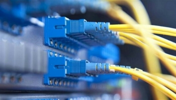 جماعة الحوثي: خدمات الاتصالات والإنترنت مهددة بالتوقف جراء نفاد الوقود