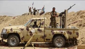 مليشيات الانتقالي تدفع بمعدات وآليات عسكرية إماراتية إلى أبين