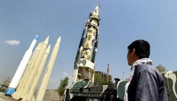 """إيران تؤكد نقل خبراتها في """"التكنولوجيا الدفاعية"""" إلى الحوثيين"""