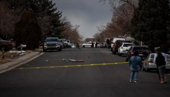 تساقط أجزاء من طائرة أمريكية فوق منطقة سكنية بمدينة دنفر