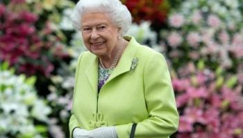 ملكة بريطانيا تقول إن تطعيم كورونا كان سريعا ولم يؤلمها