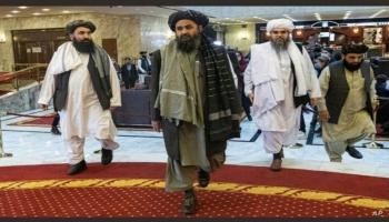 صور تناقلتها وسائل إعلام لدخول قيادات الحركة إلى القصر الرئاسي في كابول