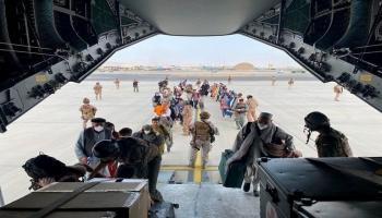 إجلاء من مطار كابل