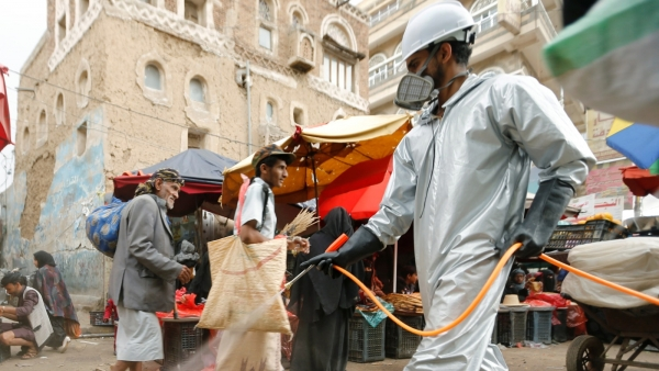 من عمليات الرش في صنعاء