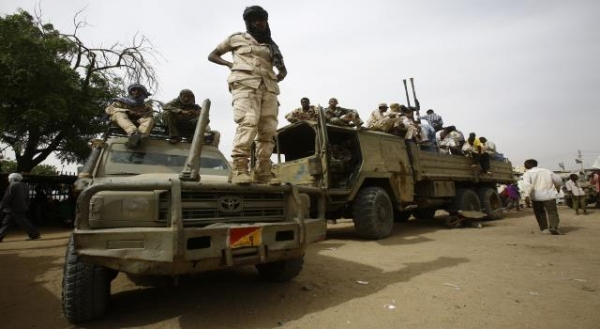 """السودان يعلن توقيف 122 """"مرتزقاً"""" كانوا بطريقهم للقتال بليبيا"""