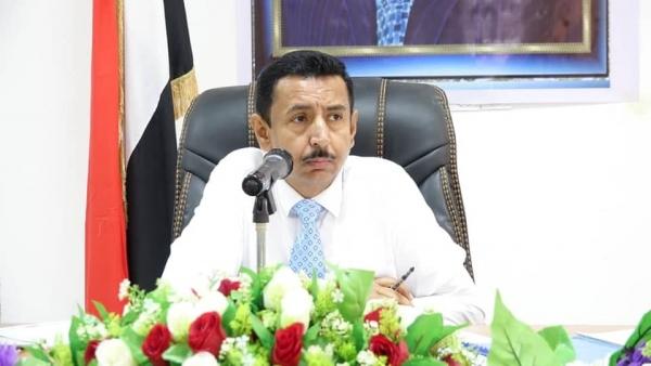 محافظ شبوة يوجه بتشكيل لجنة لتطوير معايير مجالس أمناء المستشفيات الحكومية