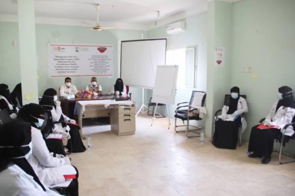 جمعية التكافل الإنساني تنفذ دورة تدريبية للقابلات في سقطرى