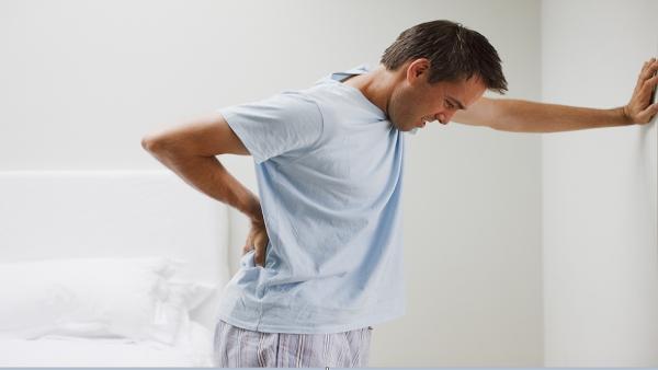 """دراسة تتوصل إلى """"طريقة غريبة"""" للتغلب على الألم"""