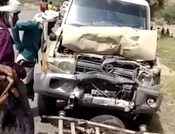وفاة سبعة مدنيين وإصابة ثمانية بحادث مروري في حضرموت