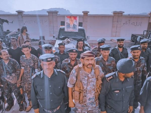 مدير أمن أبين يتفقد جاهزية القوات الأمنية في المحفد تزامناً مع احتفالات ثورة سبتمبر