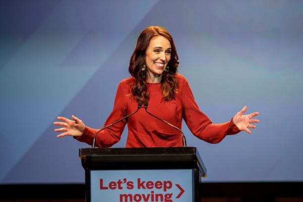 إعادة انتخاب رئيسة وزراء نيوزيلندا بأغلبية ساحقة