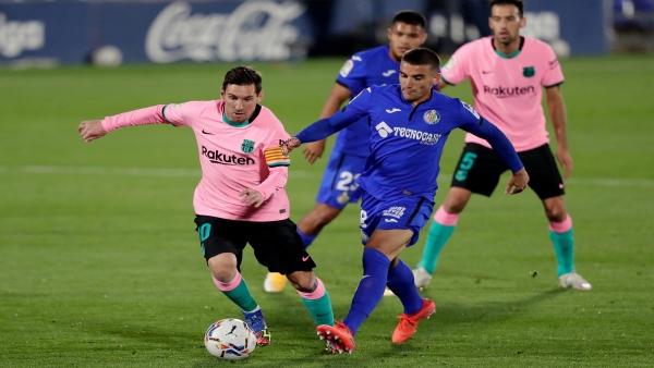 الدوري الإسباني: ريال مدريد وبرشلونة ينهزمان أمام قادش وخيتافي