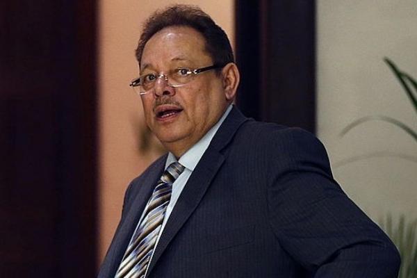 علي ناصر: عُمان تحظى بموقف متوازن من كافة الأطراف اليمنية