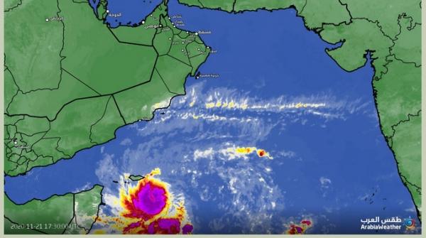 بدء تأثير العاصفة المدارية بأمطار متوسطة مصحوبة برياح على سقطرى