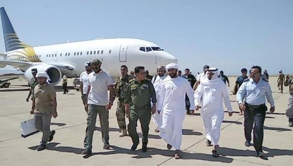 مصدر: الإمارات أرسلت ضباطا وخبراء أجانب لتعزيز وجودها في سقطرى بعد تشكيل الحكومة