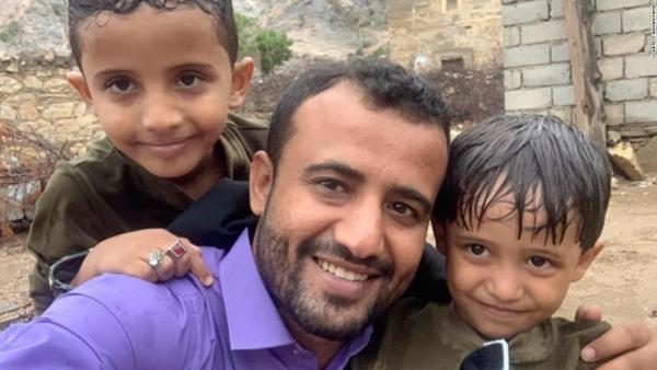 مخاوف عالمية على حياة صحفي مختطف في سجون مليشيات تدعمها الإمارات
