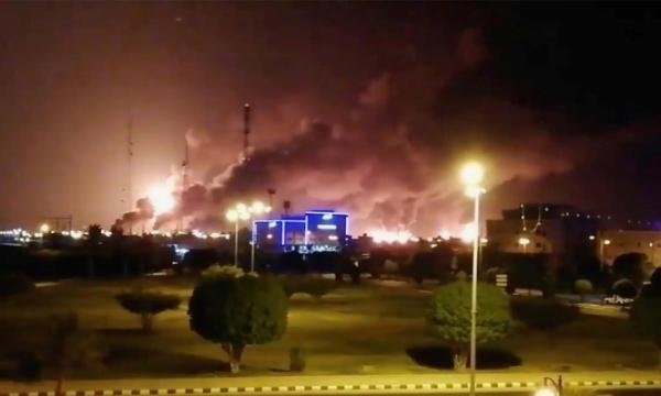 """السعودية: استهداف احدى مرافق """"أرامكو"""" وميناء نفطي بطائرة مسيرة وصاروخ باليستي"""