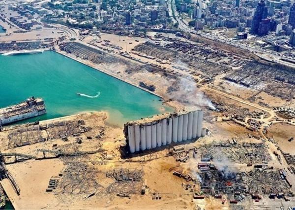 مرفأ بيروت بعد الدمار الناتج عن انفجار هائل أغسطس 2020