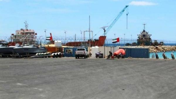 الإمارات تستحدث مبانٍ جديدة في محيط ميناء سقطرى