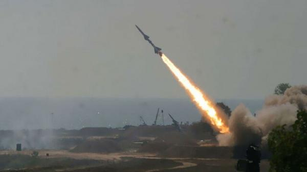 التحالف يعلن تدمير 4 مسيّرات و5 صواريخ حوثية اطلقت باتجاه السعودية