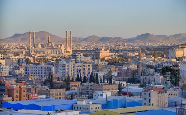 وزارة الصحة تعرض على الأطباء في مناطق سيطرة الحوثي تزويدهم باللقاح