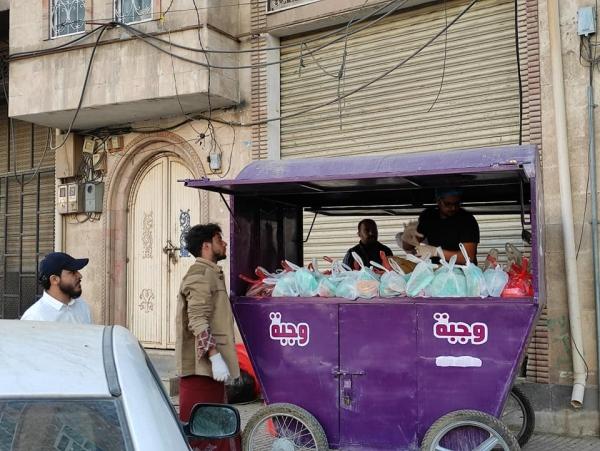 يطمح القائمون على المبادرة في توزيع 20 ألف وجبة حتى نهاية شهر رمضان