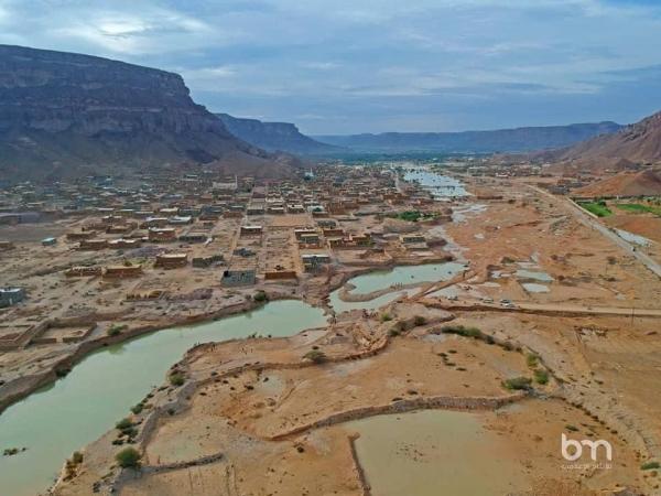 صور جوية تظهر آثار الدمار الذي خلفتها السيول في تريم
