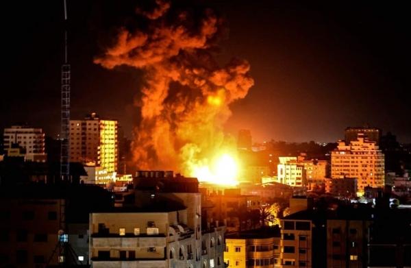 صور من القصف العنيف الذي استهدف قطاع غزة - مواقع التواصل