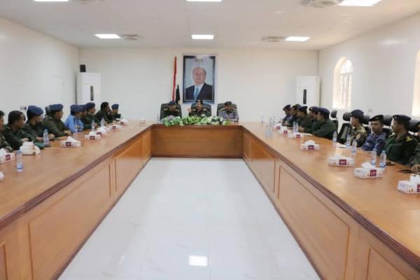 اجتماع وزير الداخلية بقيادات أمنية في شبوة