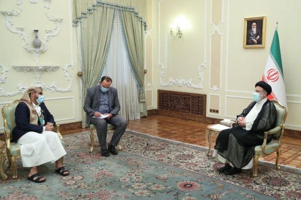 الرئيس الإيراني الجديد خلال لقاءه رئيس وفد الحوثيين