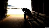 """أطباء يحذرون من"""" تسونامي أمراض نفسية"""" بسبب الإغلاق والحجر المنزلي"""