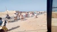 سقطرى..أزمة المشتقات تشل حركة السير والشركات الإماراتية تخصص الوقود للعاملين معها