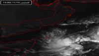 المنخفض الجوي يتمركز جنوب شرق سقطرى وتوقعات بهطول أمطار غزيرة