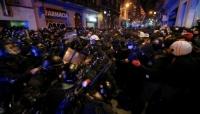 استمرار أعمال العنف في احتجاجات على سجن مغني راب بإسبانيا