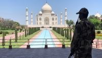"""إجلاء السياح من معلم """"تاج محل"""" في الهند بعد تهديد بتفخيخ المكان"""