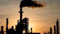 أسعار النفط تصعد لذروة 26 شهرا بدعم آمال تعافي الطلب
