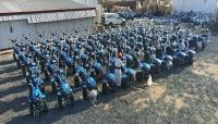 الصليب الأحمر يوزع 130 حراثة يدوية للمزارعين في صعدة