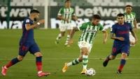 أتلتيكو مدريد يتعادل مع بيتيس ويستعيد الصدارة في الدوري الإسباني